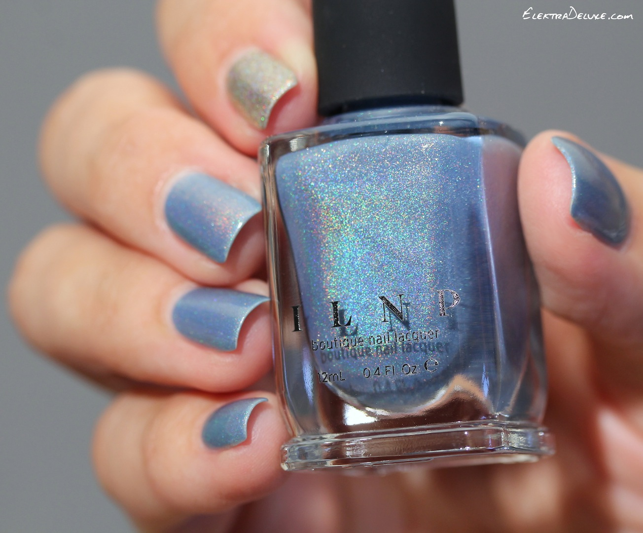 The perfect neutral Blue – Elektra Deluxe